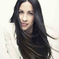 Alanis Morissette Thumb (3)
